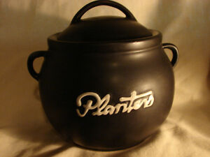 Planter's Peanuts VACUUM SEALED POT with Lid