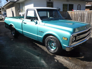 1969 C-10 ready for crusing needs nothing
