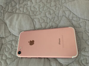 iPhone 7 32 GB Rose Gold Excellent Condition No scratches/breaks