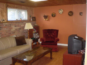Sous-sol Meubler a Partager - Furnished Basement to Share