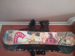 SNOWBOARD, BOOTS, BINDINGS , BAG AND WRIST GUARDS COMBO