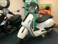 Piaggio Vespa GTS300 Super, 2nd City Special 2018 (18)