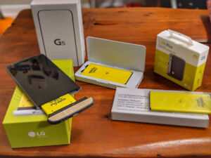 LG g5 Unlocked with extra batteries and Cam plus
