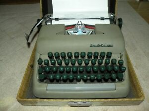 Vintage 1950s-60s Smith Corona Typewriter