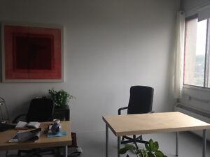 Espace de bureau à partager -- Office space to share