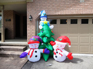 Brand New Gemmy Airblown Inflatable 8 Foot Tall Snowman & Tree Kitchener / Waterloo Kitchener Area image 1