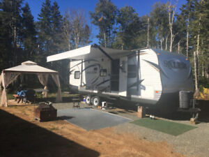 "2015 Salem 29' Travel Trailer ""MINT"""