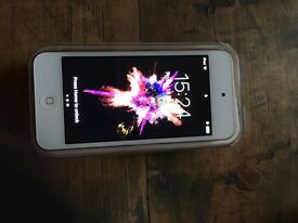 Apple I pod touch gold 32gb 6th generation
