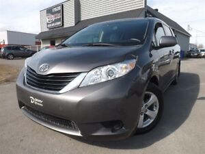 Toyota Sienna 5dr V6 LE 8-Pass FWD 2012
