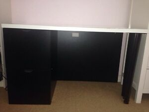 Black and white office desk table drawers 6ft long West Island Greater Montréal image 6