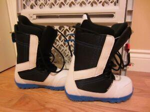 Burton Invader boots, mens, US size 8