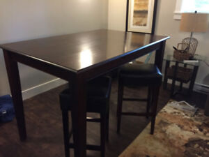 Pub Table and 4 Stools