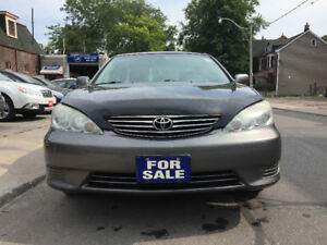 2005 Toyota Camry LE Sedan ***LOW KILOMETERS***DEALER SERVICED**