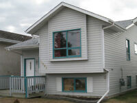 SYLVAN LAKE 1/2 BLOCK FROM THE BEACH SLEEPS 6