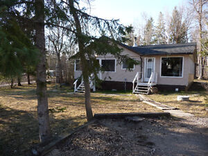 GRAND BEACH -BEACONIA- ,4 SEASON HOME OR COTTAGE WITH GARAGE