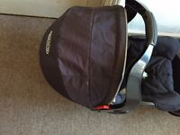 Graco baby carrier+base