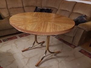 Elegant Expandable Dining Table