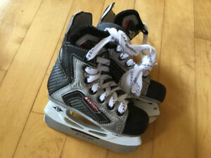Kids Easton hockey skates size 9