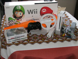 Modded Nintendo Wii Package w/Games, Controllers, Gamecube ready