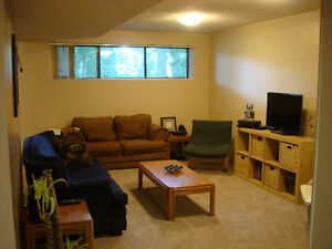 Spacious Grovenor Suite with Office and Sauna Edmonton Edmonton Area image 5