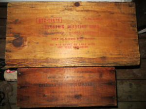 2 old wood boxes