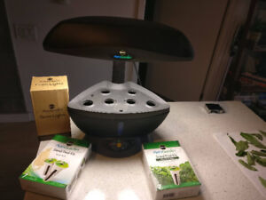 Miracle-Gro AeroGarden Classic 6 with Seed Pods and Extra Lights