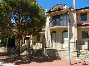 Townhouse in Joondalup - neat and spacious, available immedately! Joondalup Joondalup Area Preview