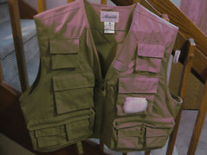 NEW AUSABLE FLY FISHING VEST - NEW LOW PRICE