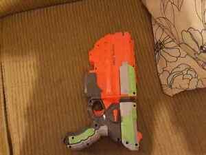 Firefly Nerf Gun plus 3 more guns + ammo one low price! Peterborough Peterborough Area image 3