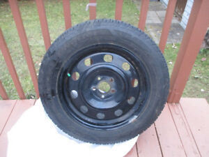 FORD ESCAPE  WINTER TIRES + RIMES  235/55/17 LIKE NEW NEW