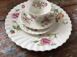 Place Setting Royal Doulton Clovelly Pattern