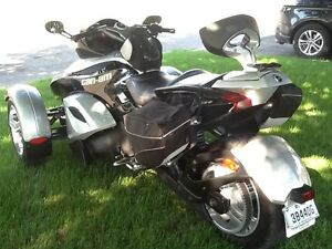Can-Am Spyder 2008 GS (RS) Excellente condition! À voir