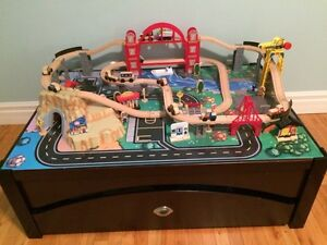 Train/Car set and table