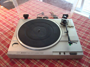 Table Tournante Hitachi HT-21 Turntable