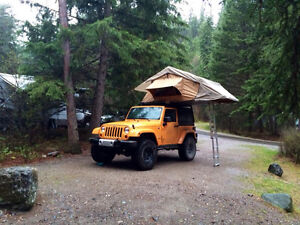 """2012 Jeep Wrangler Sahara, lifted, 35"""" tires and ROOF TENT!"""