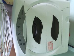 Excellent condition DANBY portable washing machine
