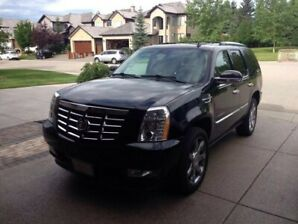 ESCALADE IN GREAT SHAPE!!