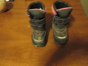 Winter boots Toddler (size 9)