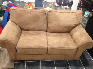 Brown microsuede Love seat couch