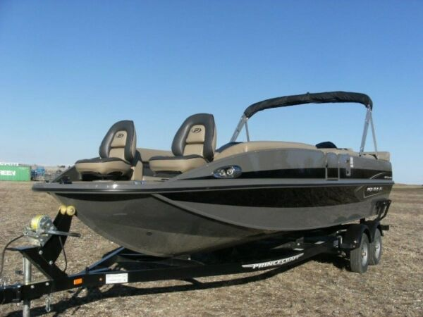 Used 2015 Princecraft VENTURA 222 DECK BOAT with 200 HP Mercury Verado