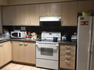 Richmond Hill Townhouse For Rent 3 Bedroom 3 Bathroom Yonge/16th