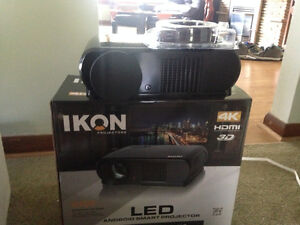 LED Projector/72' Screen &5.1 Speakers
