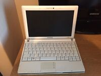 Samsung NC10 Netbook - White (mini laptop/pc)