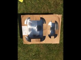 STAINLESS STEEL 1.5 UNDERMOUNT ASTRACAST KITCHEN SINK. BRAND NEW. ALL PARTS INCLUDED.