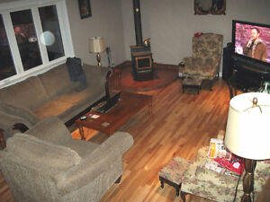 Room for rent - close to mun, hospitals, grocery store , bus rou St. John's Newfoundland image 2