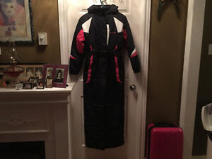New condition Girl's  Youth Size Large (14-16) Snowsuit