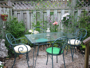 Small Vintage Metal Table Frame + 6 Chairs PRICED FOR QUICK SALE