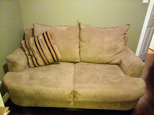 Love Seat - Cindy Crawford Collection