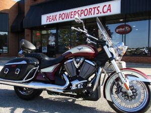 2013 Victory Motorcycles Cross Roads Classic Burgundy  Khaki W/