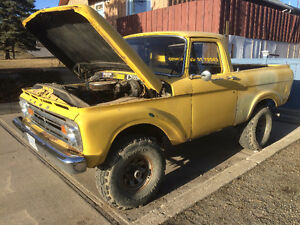 One of a kind, 1963 Ford Unibody on a 1979 4x4 Bronco Drivetrain